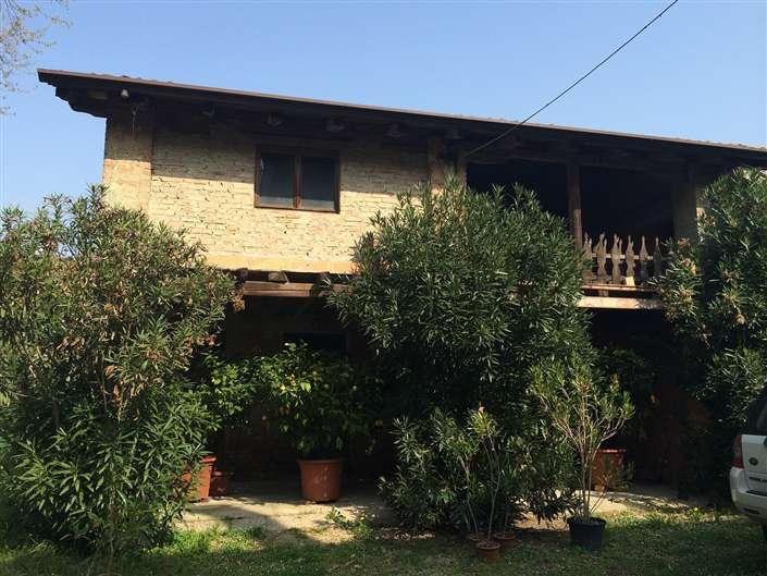 Rustico / Casale in vendita a Carbonera, 20 locali, prezzo € 650.000 | Cambio Casa.it