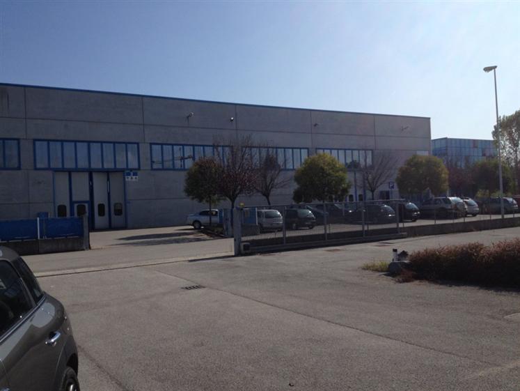 Capannone in vendita a Povegliano, 9999 locali, prezzo € 890.000 | Cambio Casa.it
