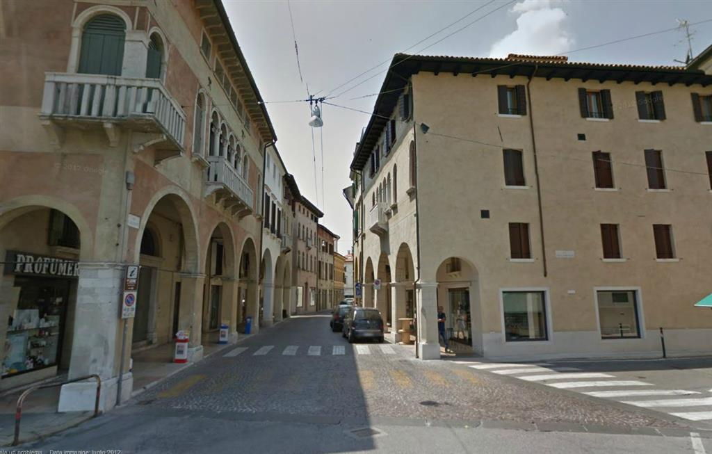 Ufficio / Studio in affitto a Treviso, 4 locali, zona Zona: Centro storico, prezzo € 1.200 | Cambio Casa.it