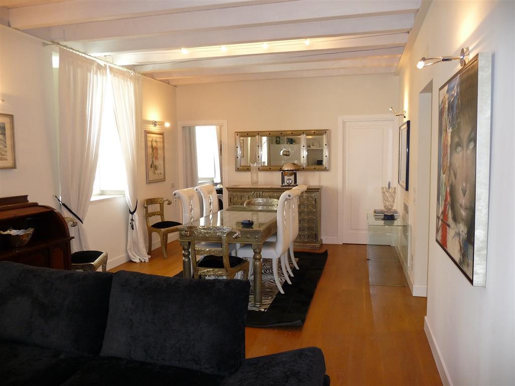 Appartamento in vendita a Treviso, 6 locali, zona Zona: Centro storico, prezzo € 790.000 | Cambio Casa.it
