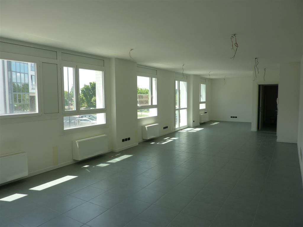 Ufficio / Studio in affitto a Treviso, 9999 locali, zona Zona: Fuori Mura, prezzo € 1.100 | Cambio Casa.it