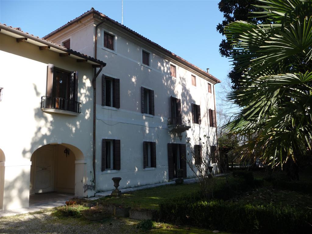 Palazzo / Stabile in vendita a Treviso, 10 locali, zona Località: SELVANA, prezzo € 620.000 | Cambio Casa.it