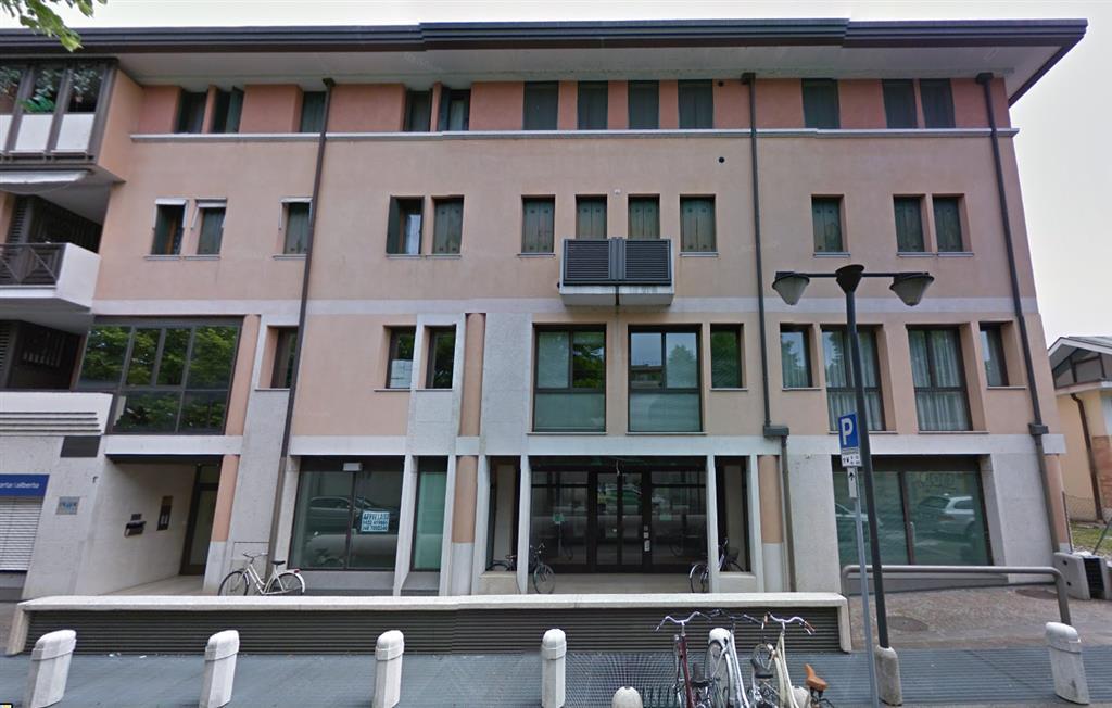 Ufficio / Studio in affitto a Treviso, 9999 locali, zona Zona: Centro storico, prezzo € 3.000   CambioCasa.it