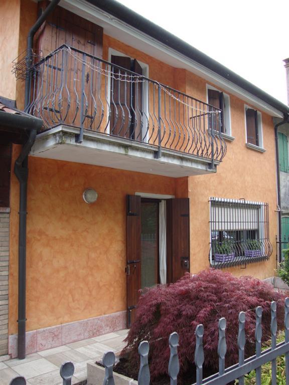 Soluzione Semindipendente in vendita a Morgano, 8 locali, zona Zona: Badoere, prezzo € 330.000 | Cambio Casa.it