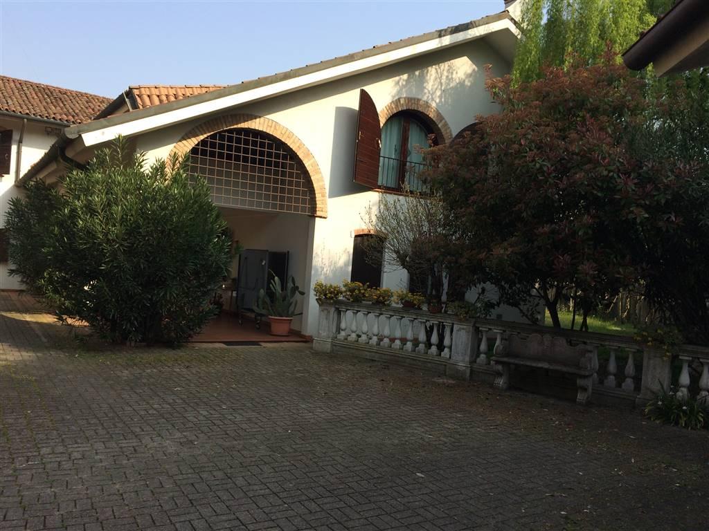 Villa in vendita a Treviso, 17 locali, zona Località: SELVANA, prezzo € 900.000 | CambioCasa.it