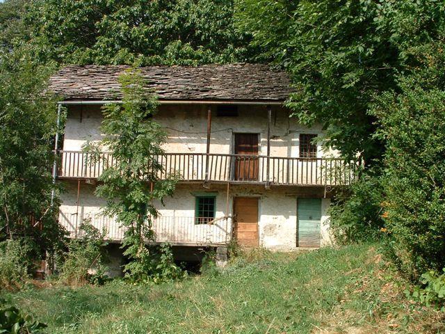 Rustico / Casale in vendita a Fontainemore, 10 locali, prezzo € 100.000 | Cambio Casa.it