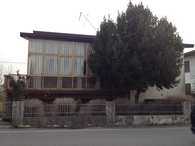 Soluzione Indipendente in vendita a Santa Lucia di Piave, 8 locali, zona Zona: Santa Lucia, prezzo € 250.000 | Cambio Casa.it