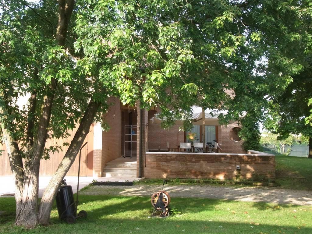 Villa in vendita a Ponzano Veneto, 9 locali, zona Zona: Ponzano, prezzo € 500.000 | Cambio Casa.it