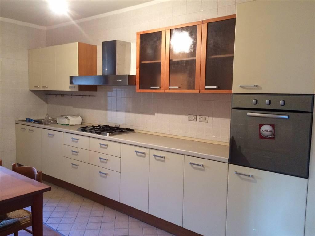 Appartamento in vendita a Treviso, 7 locali, zona Zona: S. Antonino , prezzo € 260.000 | CambioCasa.it