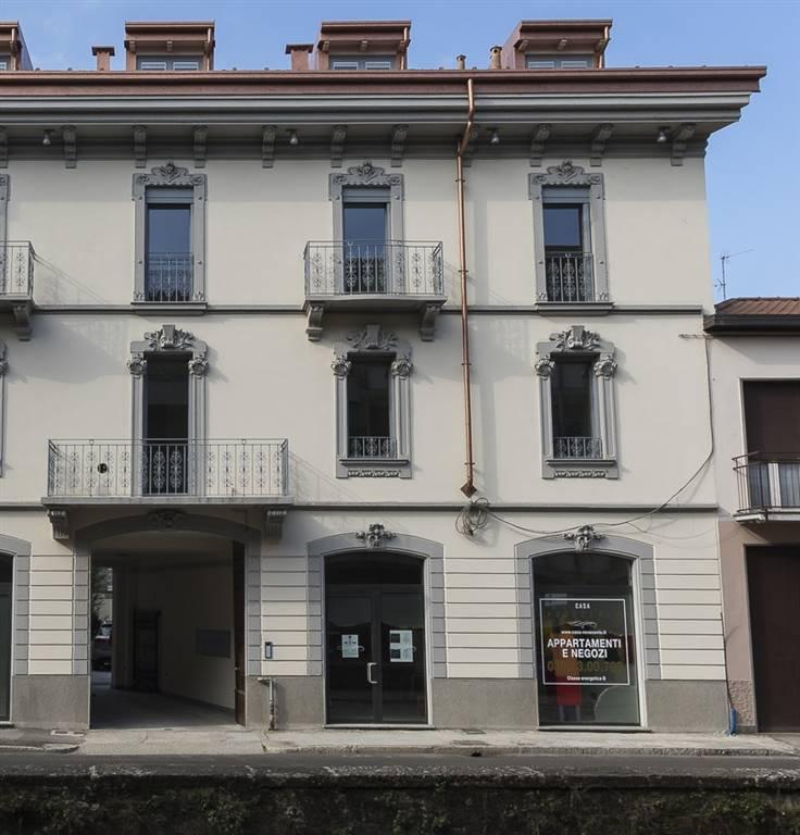 Negozio-locale in Vendita a Monza: 1 locali, 91 mq