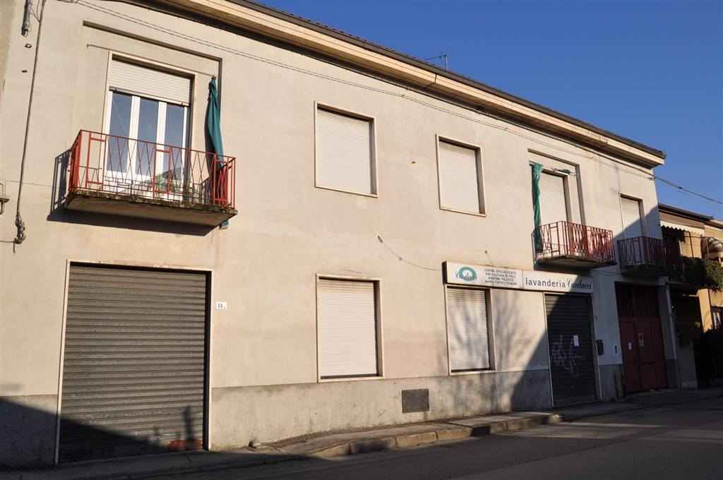 Casa indipendente in Vendita a Lissone: 5 locali, 700 mq