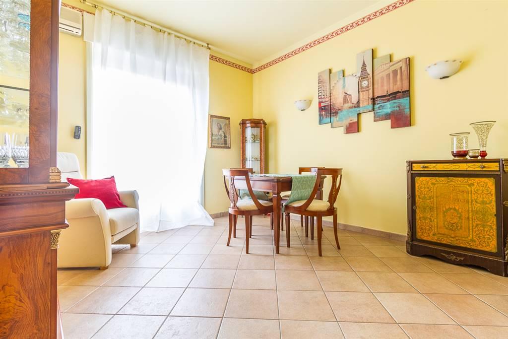 Appartamento in Vendita a Monza:  2 locali, 72 mq  - Foto 1
