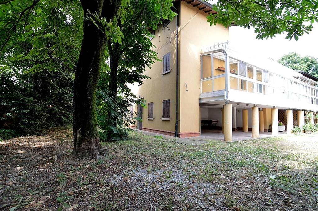 Soluzione Indipendente in vendita a Spilamberto, 8 locali, prezzo € 317.000 | CambioCasa.it