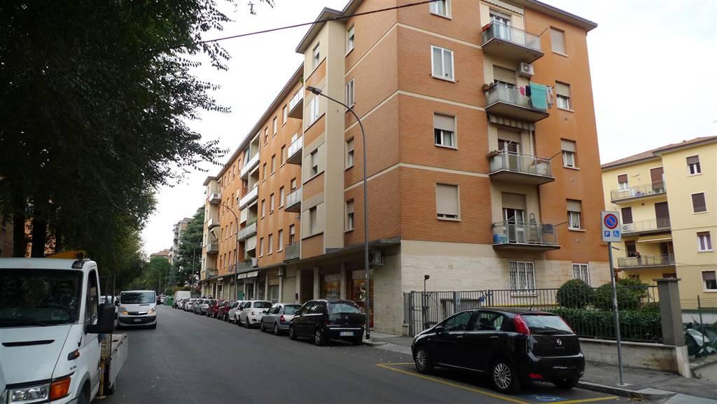 Negozio / Locale in affitto a Bologna, 2 locali, zona Zona: 7 . Savena, Mazzini, Fossolo, Bellaria, prezzo € 320 | CambioCasa.it