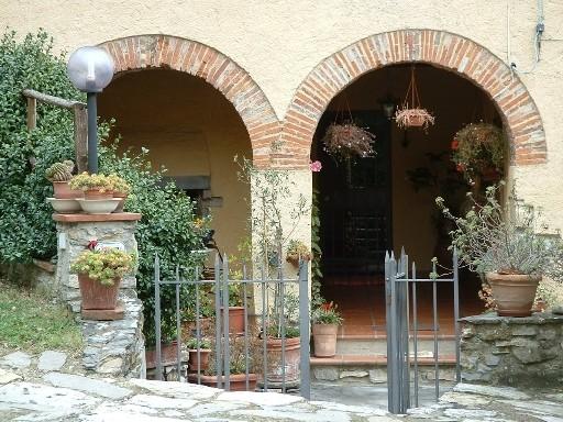 Appartamento in vendita a Vaglia, 4 locali, zona Località: CAMPAGNA, prezzo € 240.000 | CambioCasa.it