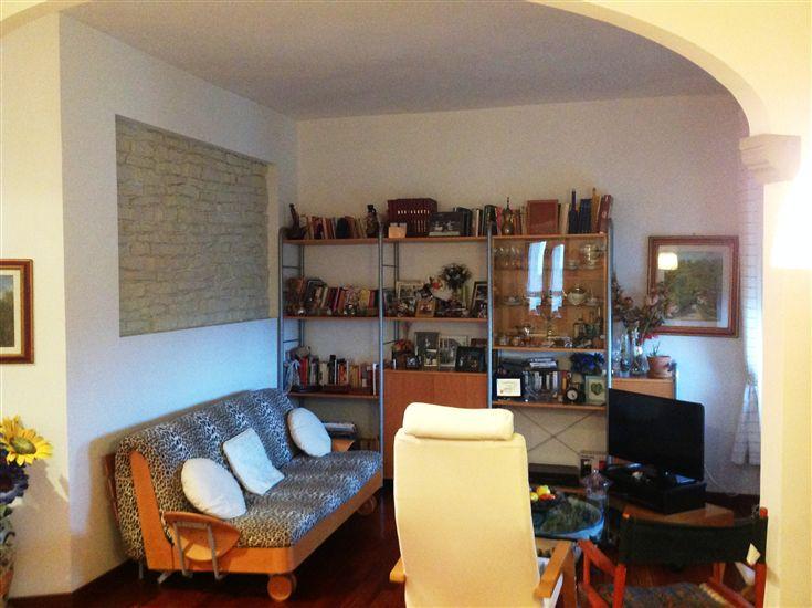 Appartamento in vendita a Scarperia e San Piero, 4 locali, zona Località: PAESE, prezzo € 200.000 | CambioCasa.it