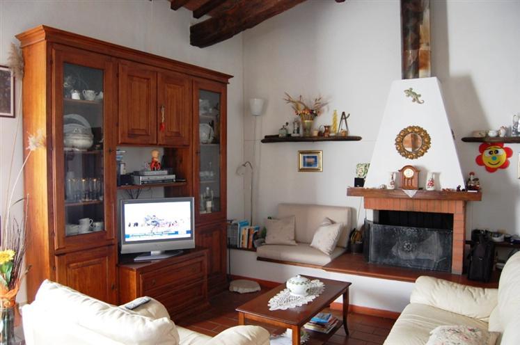 Appartamento in vendita a Barberino di Mugello, 5 locali, zona Zona: Galliano, prezzo € 230.000 | Cambio Casa.it