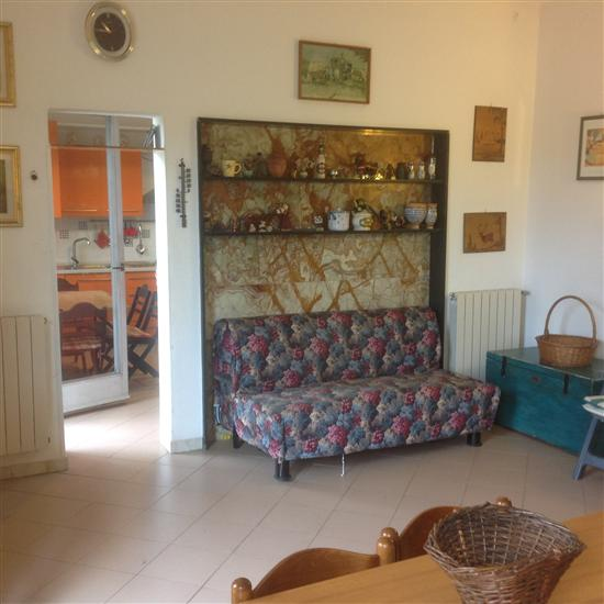 Appartamento in Via Stradella 190, Ronchi, Massa