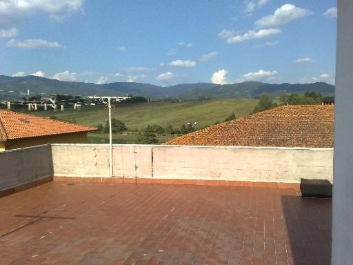 Appartamento in vendita a Vicchio, 7 locali, zona Località: PAESE, prezzo € 260.000 | CambioCasa.it