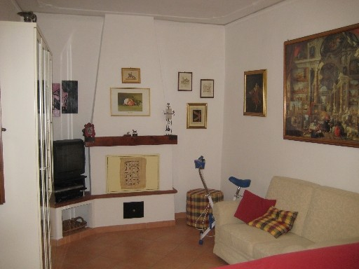 Appartamento in vendita a Vicchio, 4 locali, zona Località: PAESE, prezzo € 98.000   Cambio Casa.it