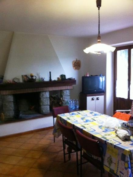 Soluzione Indipendente in vendita a Vicchio, 5 locali, zona Località: CAMPAGNA, prezzo € 199.000 | CambioCasa.it