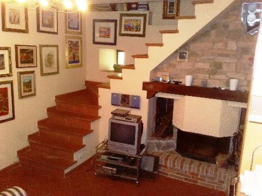Rustico / Casale in vendita a Vicchio, 9 locali, zona Località: CAMPAGNA, prezzo € 390.000 | Cambio Casa.it