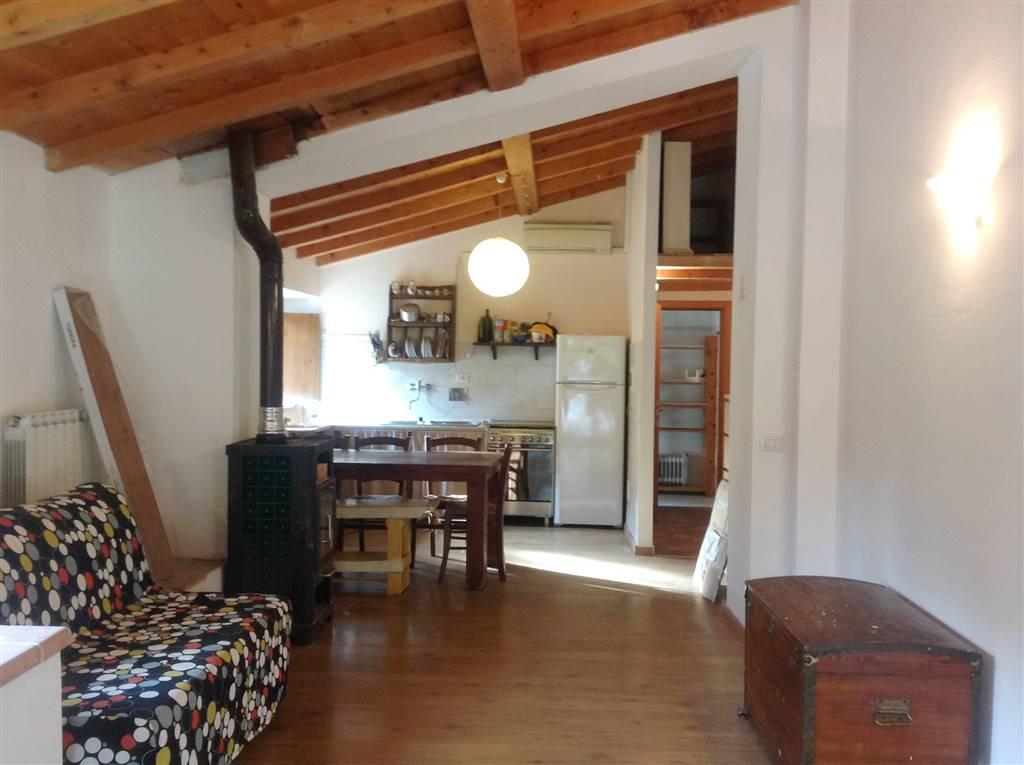 Soluzione Indipendente in affitto a Vicchio, 4 locali, prezzo € 500 | Cambio Casa.it