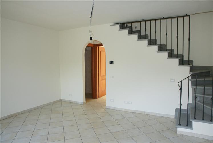 Soluzione Indipendente in vendita a Dicomano, 6 locali, zona Località: PAESE, prezzo € 230.000 | Cambio Casa.it