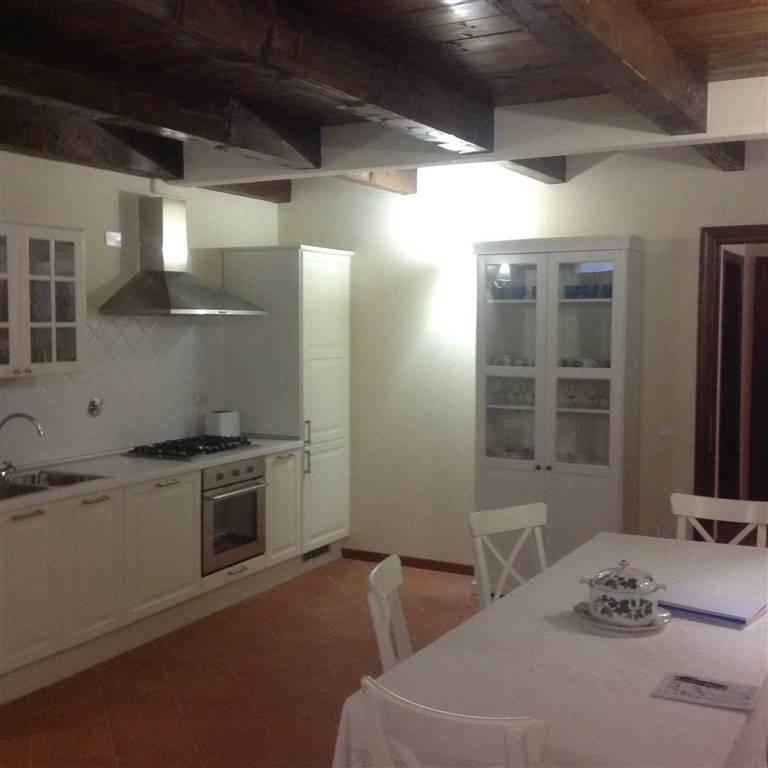 Soluzione Indipendente in affitto a Fiesole, 4 locali, zona Zona: Olmo, prezzo € 900 | Cambio Casa.it