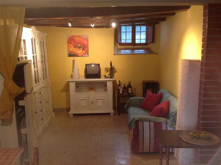 Appartamento in vendita a Borgo San Lorenzo, 3 locali, zona Località: GREZZANO, prezzo € 35.000   Cambio Casa.it