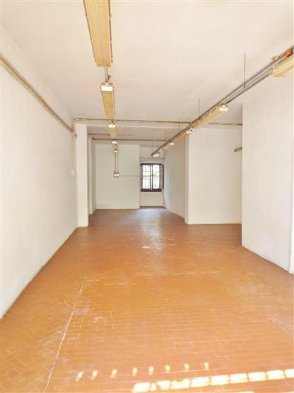 Immobile Commerciale in affitto a Borgo San Lorenzo, 1 locali, zona Località: PAESE, prezzo € 450 | Cambio Casa.it