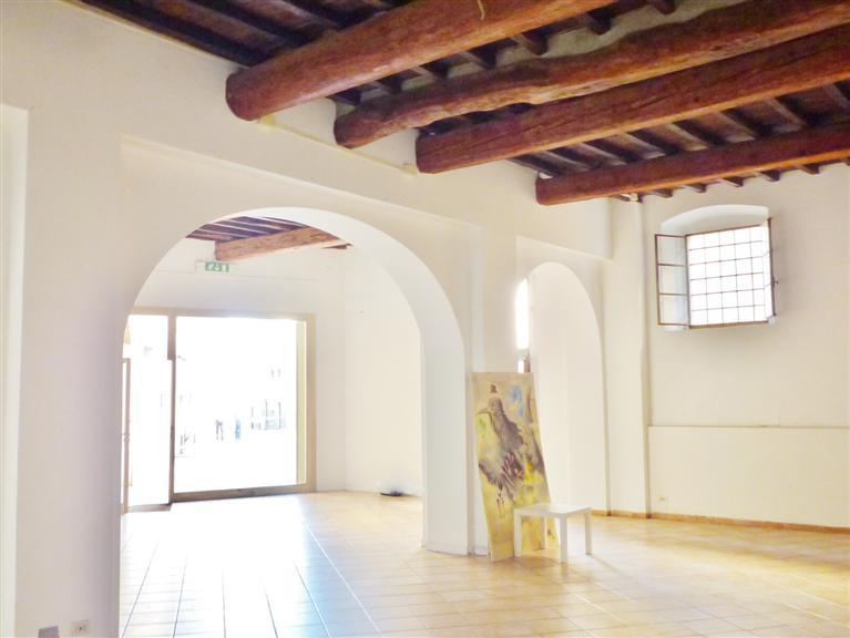 Immobile Commerciale in affitto a Barberino di Mugello, 9999 locali, zona Località: PAESE, prezzo € 1.200 | Cambio Casa.it