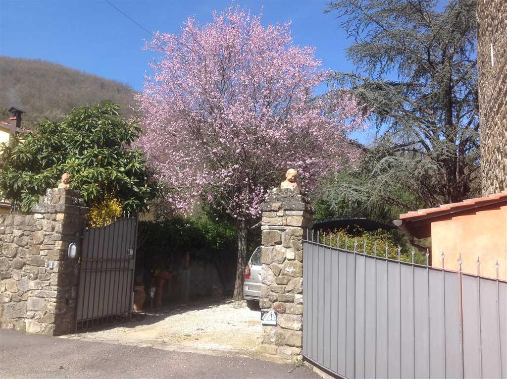 Villa in vendita a Borgo San Lorenzo, 7 locali, zona Località: IMMEDIATE VICINANZE, prezzo € 580.000 | Cambio Casa.it
