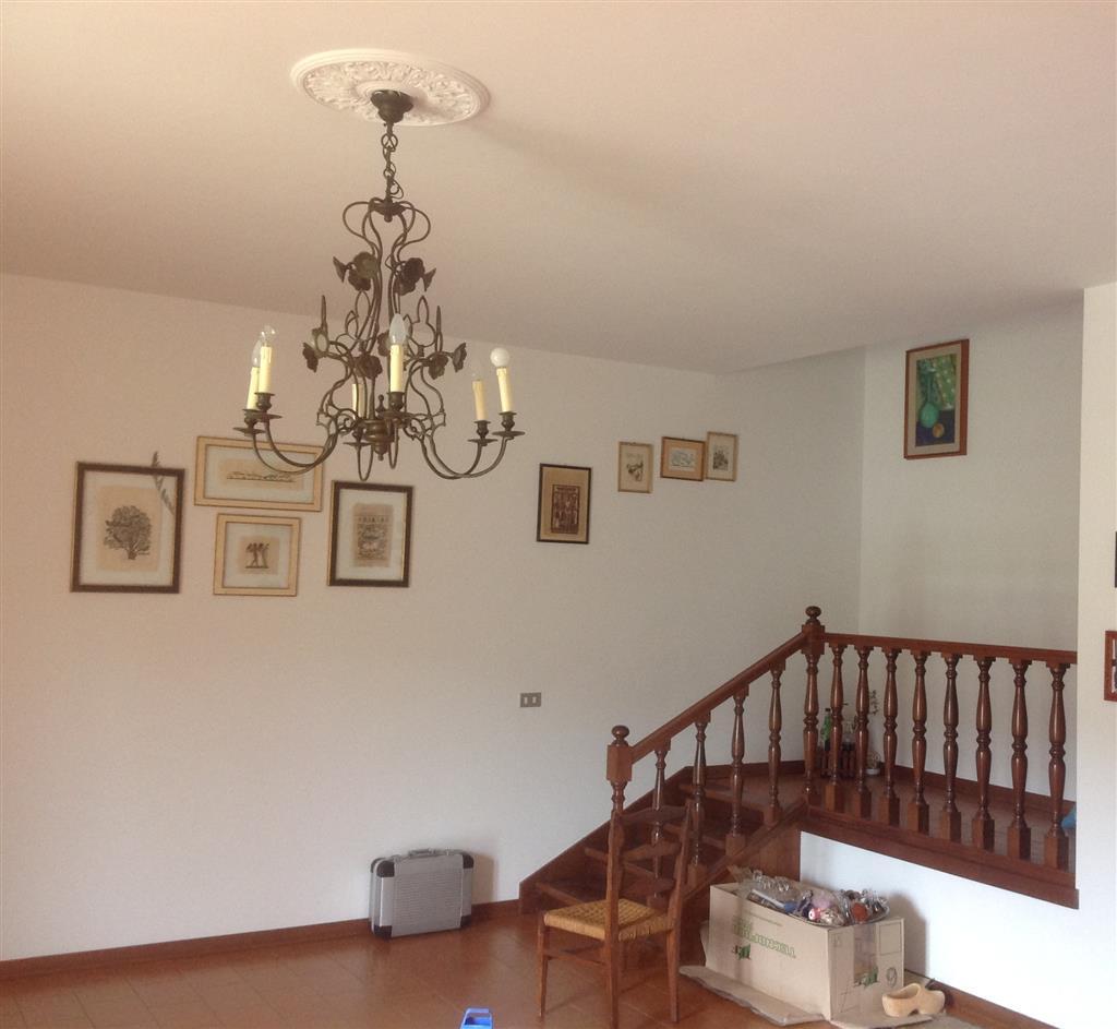 Appartamento in vendita a Vaglia, 4 locali, prezzo € 159.000 | CambioCasa.it