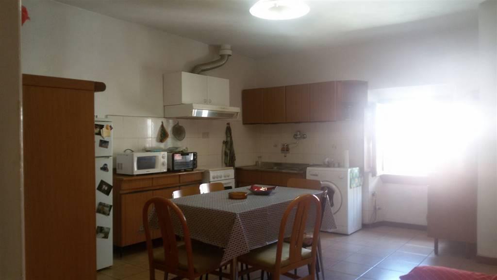 Appartamento in vendita a Vicchio, 4 locali, zona Località: PAESE, prezzo € 119.000 | CambioCasa.it