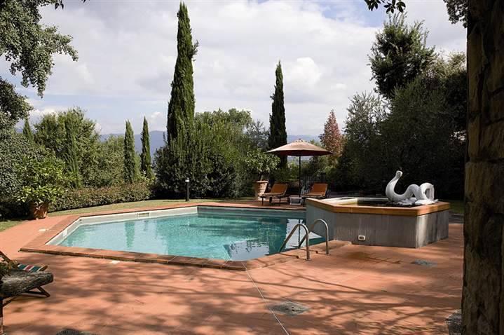 Villa in vendita a Vicchio, 9 locali, zona Località: CAMPAGNA, prezzo € 650.000 | Cambio Casa.it