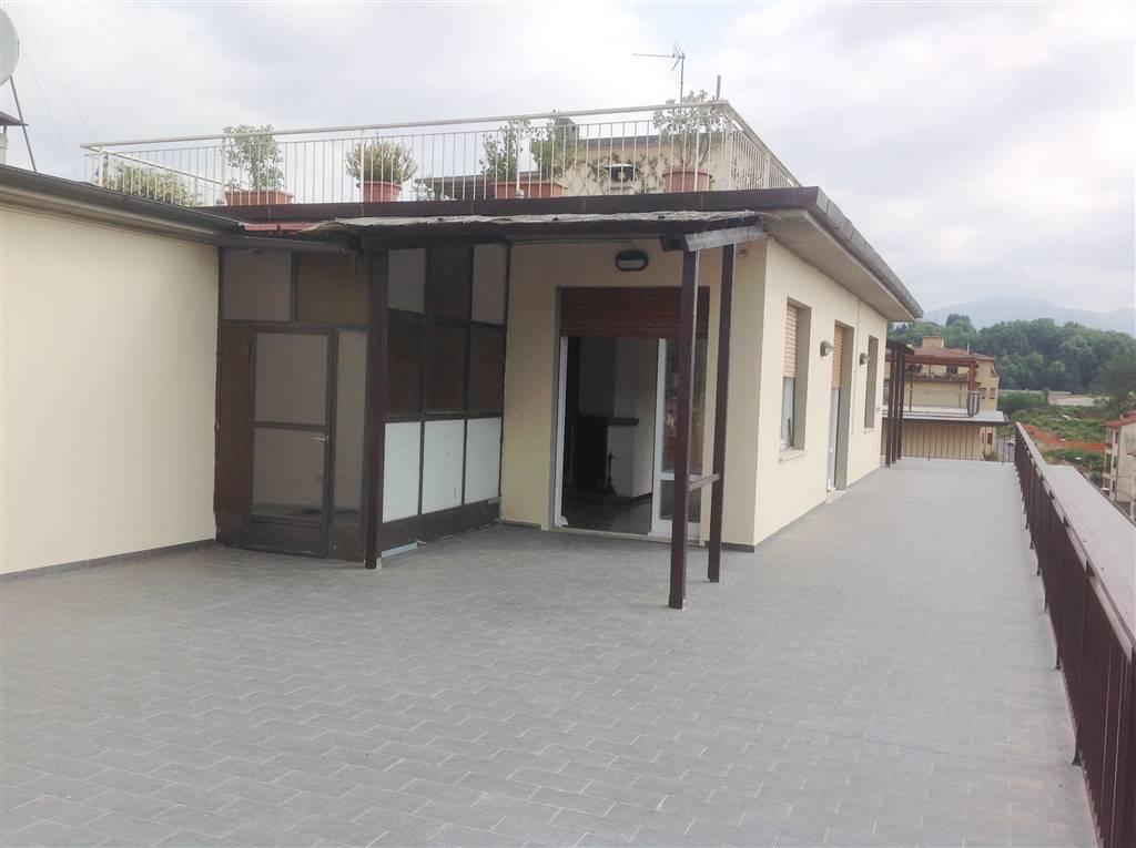 Attico / Mansarda in affitto a Borgo San Lorenzo, 5 locali, zona Località: PAESE, prezzo € 900 | CambioCasa.it