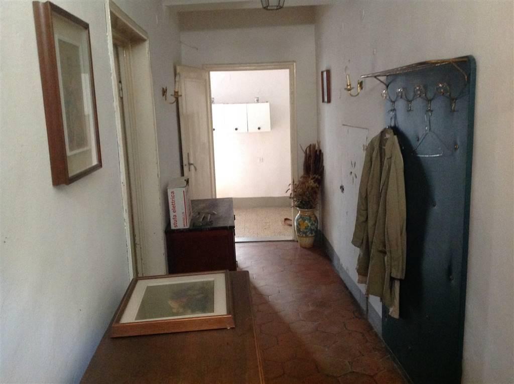 Soluzione Indipendente in vendita a Scarperia e San Piero, 5 locali, prezzo € 120.000   CambioCasa.it