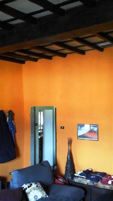 Appartamento in vendita a Scarperia e San Piero, 4 locali, zona Località: PAESE, prezzo € 105.000 | CambioCasa.it