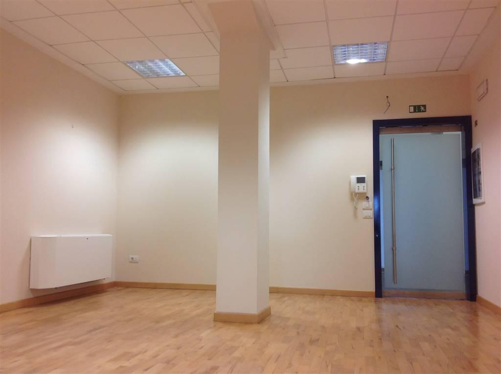 Ufficio / Studio in affitto a Borgo San Lorenzo, 6 locali, zona Località: PAESE, prezzo € 1.000 | Cambio Casa.it