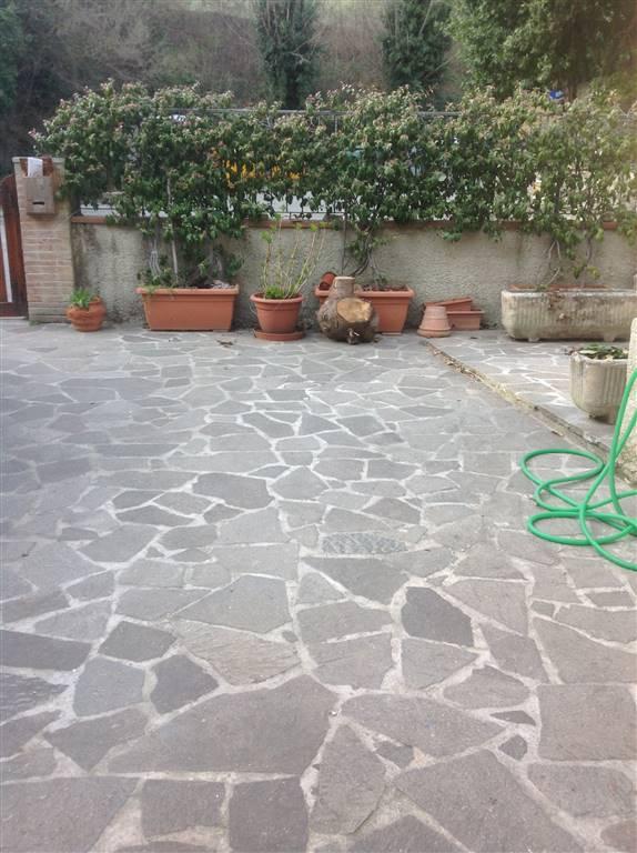 Appartamento in vendita a Vicchio, 5 locali, zona Località: CAMPAGNA, prezzo € 78.000 | CambioCasa.it