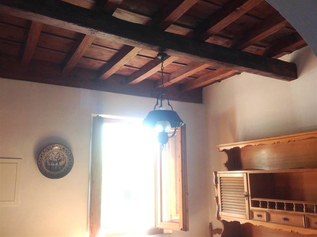 Appartamento in vendita a Fiesole, 4 locali, zona Zona: Caldine, prezzo € 235.000 | CambioCasa.it