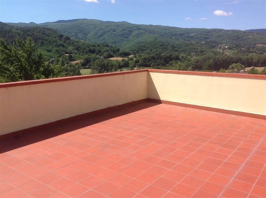 Appartamento in vendita a Vicchio, 3 locali, zona Località: PAESE, prezzo € 109.000 | CambioCasa.it