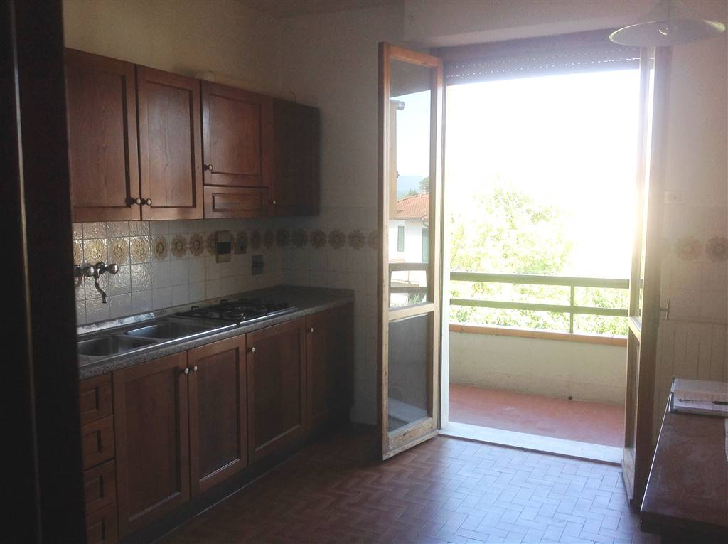 Appartamento in affitto a Scarperia e San Piero, 4 locali, zona Località: PAESE, prezzo € 600 | CambioCasa.it