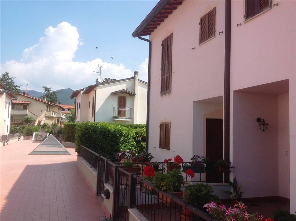 Soluzione Indipendente in vendita a Vicchio, 4 locali, zona Località: CAMPAGNA, prezzo € 170.000 | CambioCasa.it