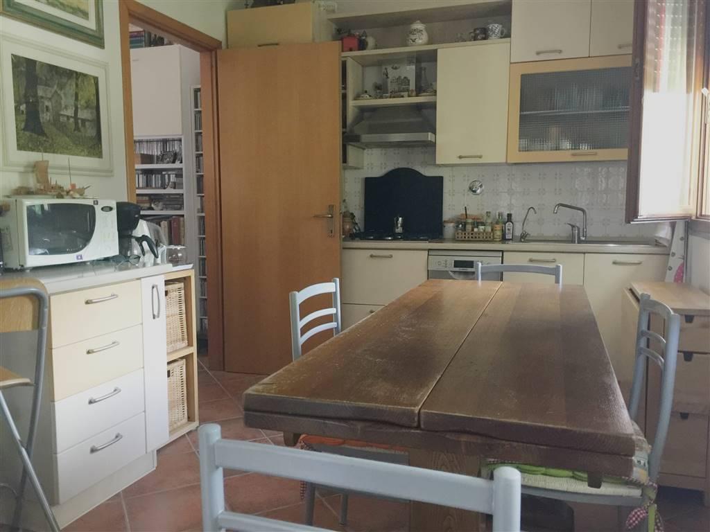 Appartamento in vendita a Vaglia, 5 locali, prezzo € 219.000 | CambioCasa.it