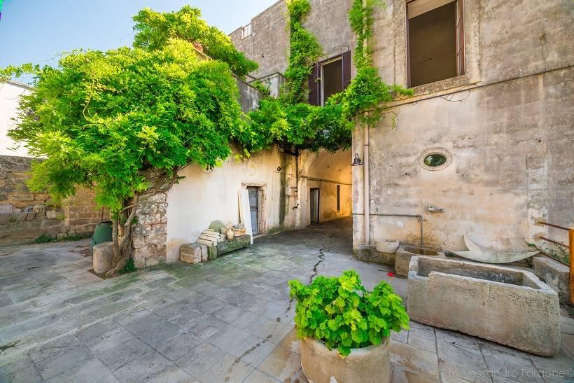 Palazzo-stabile Vendita Carmiano