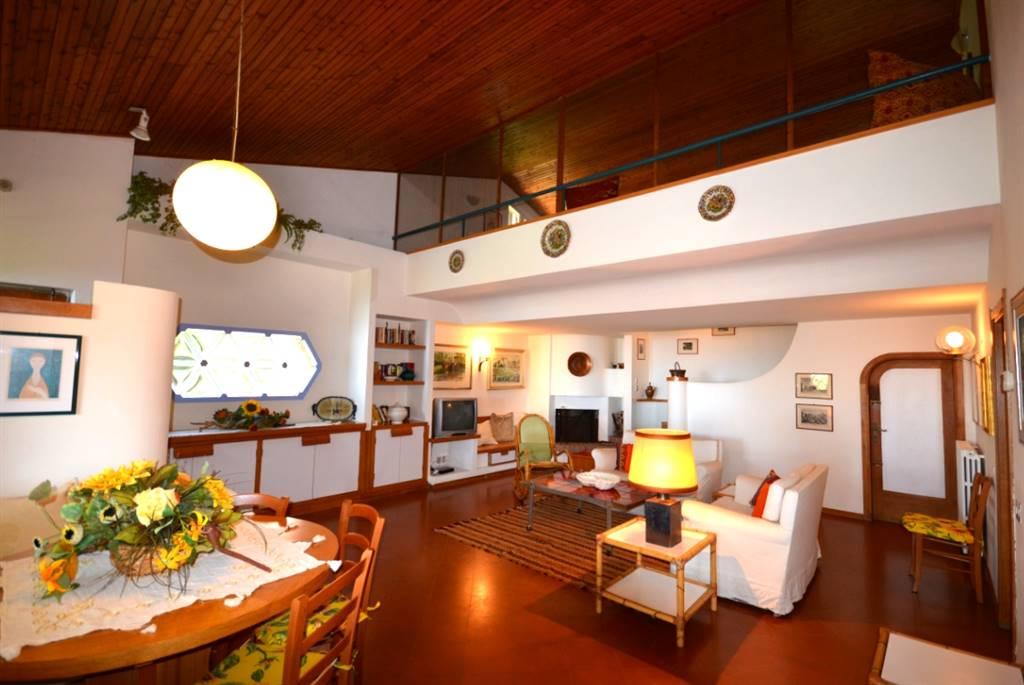 Villa ROSIGNANO MARITTIMO € 590.000