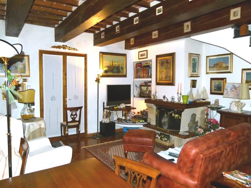 Villa a schiera NUGOLA - Foto 6