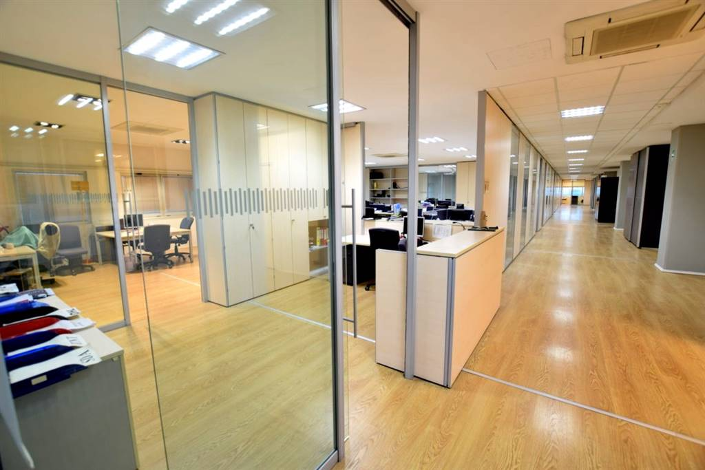 Ufficio-studio in Affitto a Livorno: 5 locali, 600 mq